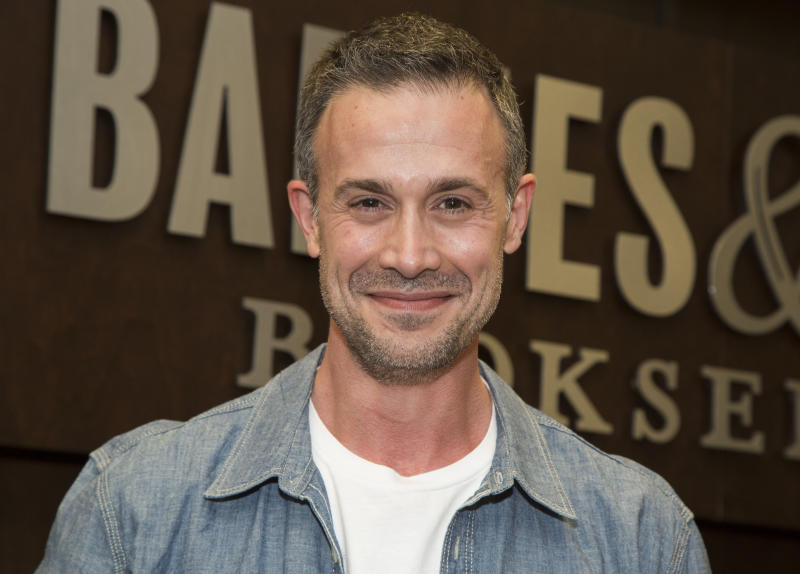 "LOS ANGELES, CA - JUNE 09: Actor Freddie Prinze, Jr. signs his new book ""Back To The Kitchen"" at Barnes & Noble at The Grove on June 9, 2016 in Los Angeles, California. (Photo by Vincent Sandoval/Getty Images)"