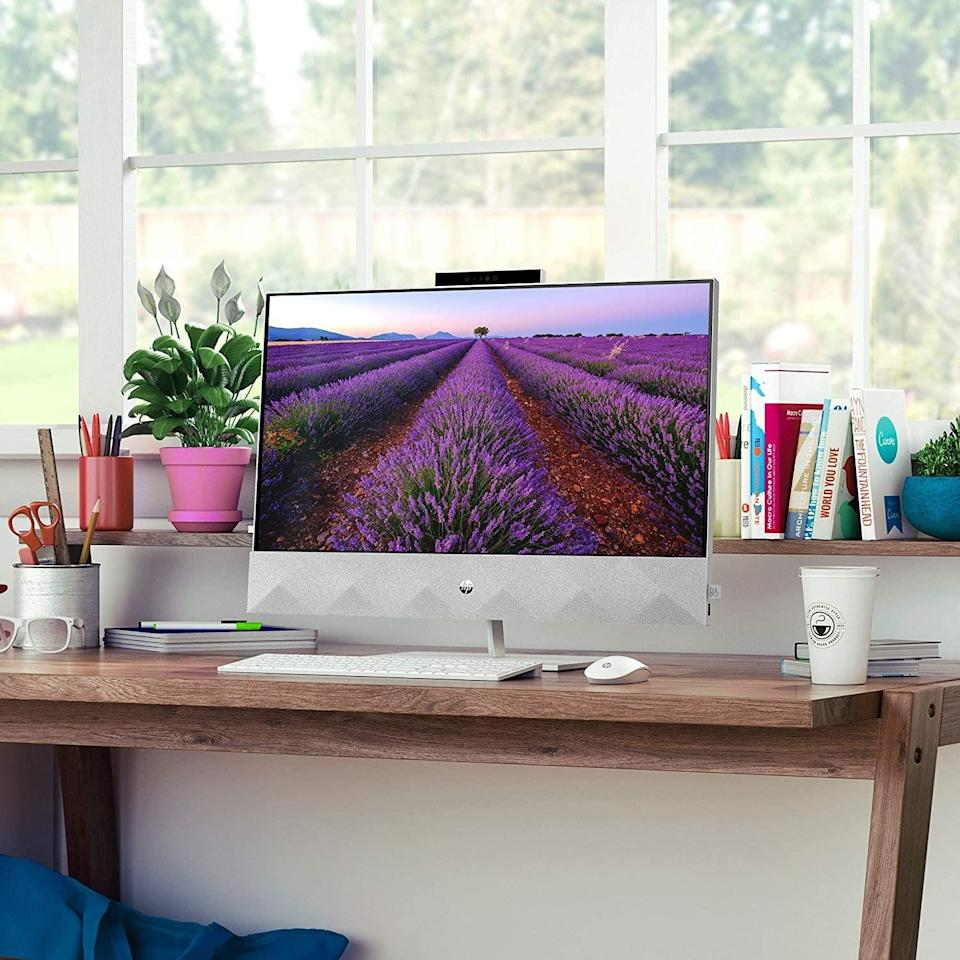"""<p>All-in-one desktops have plenty of appeal due to their versatile, space-saving design, as well as their easy setup. Thankfully, you can choose between feature-packed options running on all major platforms — Windows 10, macOS, and Chrome OS.<br><br>Some of today's best PC options take the """"all-in-one"""" moniker to a whole new level by being great at, well, everything. We spent more than a week scrutinizing today's latest desktop computers to find the best worth buying.</p><h3 class=""""body-h3"""">Best All-in-One Desktop Computers</h3><ul><li><strong>The Best PC:</strong> <a href=""""https://www.amazon.com/dp/B08BX9CJC2?tag=syn-yahoo-20&ascsubtag=%5Bartid%7C2089.g.618%5Bsrc%7Cyahoo-us"""" rel=""""nofollow noopener"""" target=""""_blank"""" data-ylk=""""slk:HP Pavilion 27 All-in-One Desktop"""" class=""""link rapid-noclick-resp"""">HP Pavilion 27 All-in-One Desktop</a></li><li><strong><strong>Best Budget:</strong></strong> <a href=""""https://www.amazon.com/dp/B089N4K38B?tag=syn-yahoo-20&ascsubtag=%5Bartid%7C2089.g.618%5Bsrc%7Cyahoo-us"""" rel=""""nofollow noopener"""" target=""""_blank"""" data-ylk=""""slk:Lenovo IdeaCentre AIO 3 All-in-One Desktop"""" class=""""link rapid-noclick-resp"""">Lenovo IdeaCentre AIO 3 All-in-One Desktop</a></li><li><strong>The Best Mac:</strong> <a href=""""https://www.amazon.com/dp/B08F8ZPRGW?tag=syn-yahoo-20&ascsubtag=%5Bartid%7C2089.g.618%5Bsrc%7Cyahoo-us"""" rel=""""nofollow noopener"""" target=""""_blank"""" data-ylk=""""slk:Apple iMac With 5K Retina Display"""" class=""""link rapid-noclick-resp"""">Apple iMac With 5K Retina Display</a></li><li><strong>The Best Chrome OS Desktop:</strong> <a href=""""https://www.amazon.com/dp/B085LLKT2S?tag=syn-yahoo-20&ascsubtag=%5Bartid%7C2089.g.618%5Bsrc%7Cyahoo-us"""" rel=""""nofollow noopener"""" target=""""_blank"""" data-ylk=""""slk:Acer Chromebase 24 All-in-One Desktop"""" class=""""link rapid-noclick-resp"""">Acer Chromebase 24 All-in-One Desktop</a> </li><li><strong>The Ultimate All-in-One PC:</strong> <a href=""""https://www.amazon.com/dp/B08R1615DP?tag=syn-yahoo-20&ascsubtag=%5Bartid%7C2089.g.618%5Bsrc%7Cyahoo-us"""""""