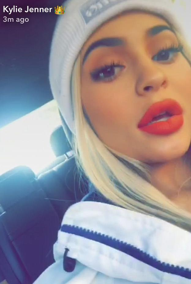 Kylie Jenner showing off that famous pout. (Photo: Kylie Jenner via Snapchat)