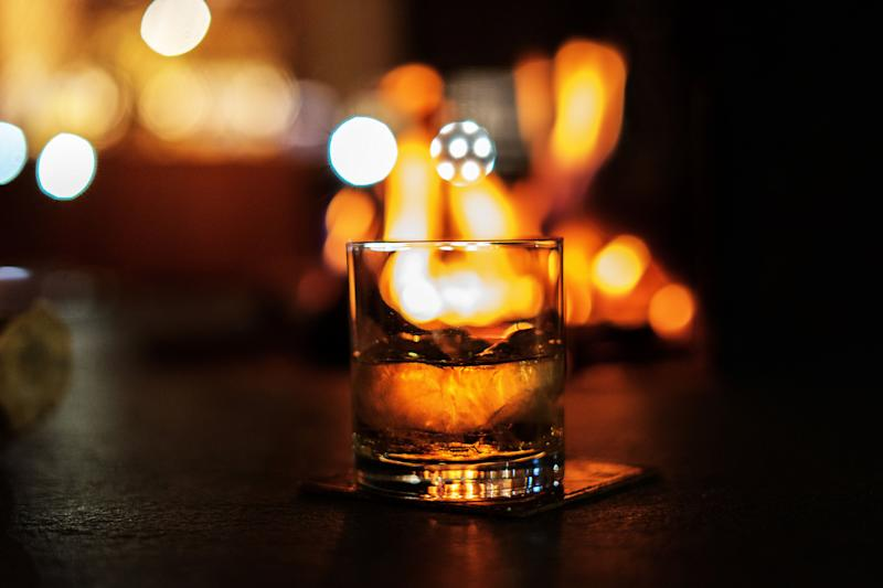Be mindful of how many drinks you're throwing back, or your night may end in disappointment. (Photo: skaman306 via Getty Images)