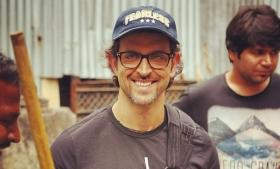 Hrithik Roshan gets sentimental, puts his heart out on social media, literally