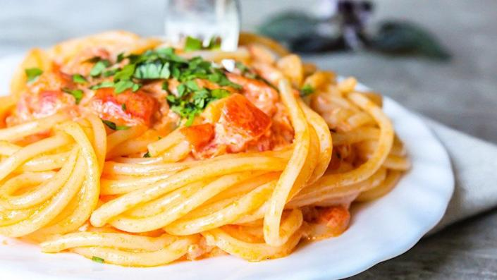 """Pasta topped with 1/3 cup <a href=""""https://ndb.nal.usda.gov/ndb/foods/show/19434?manu=&fgcd=&ds="""" target=""""_blank"""">jarred pasta sauce </a>: 5.3 grams. <br /><br />If you don't have homemade sauce (we get it, making pasta sauce is a whole lot less convenient than opening a jar), try to cut back on your portion instead."""
