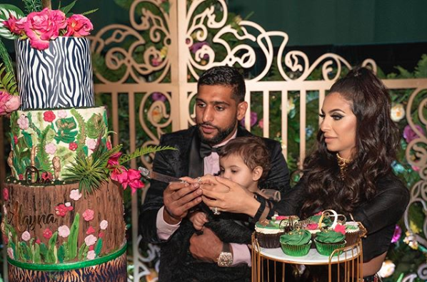 Amir Khan and Faryal Makhdoom pulled out all the stops to celebrate daughter Alayna's first birthday. Photo: Instagram/cakefaceofficial_
