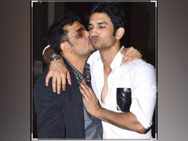 'Dil Bechara' director Mukesh Chhabra with late actor Sushant Singh Rajput (Image Source: Twitter)