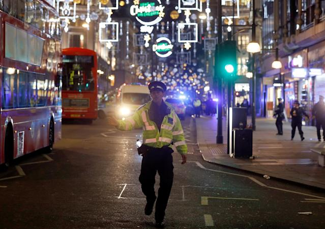 <p>Police set up a cordon outside Oxford Circus underground station as they respond to an incident in central London on Nov. 24, 2017, as police responded to an incident. (Photo: Daniel Leal-Olivas/AFP/Getty Images) </p>