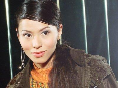 Joyce Tang plans to wed in 2013