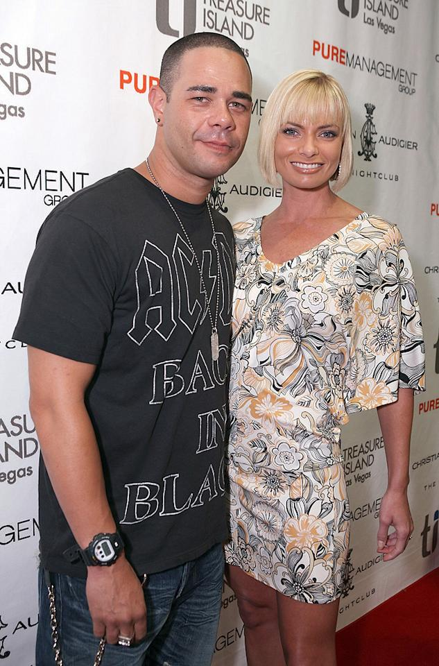 """My Name is Earl"" star Jaime Pressly and her fiance, Eric Cubiche, decided to ""take a break"" in November. The couple have a 1-year-old son named Dezi. Chris Weeks/<a href=""http://www.wireimage.com"" target=""new"">WireImage.com</a> - July 4, 2008"