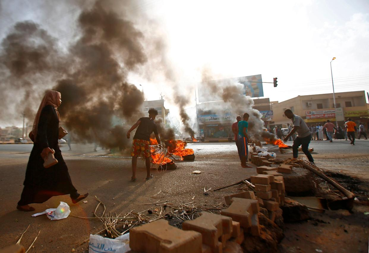 Protests against the military rule have emerged since Omar al-Bashir's ouster, calling on a transition to a civilian government. (Photo: ASHRAF SHAZLY via Getty Images)