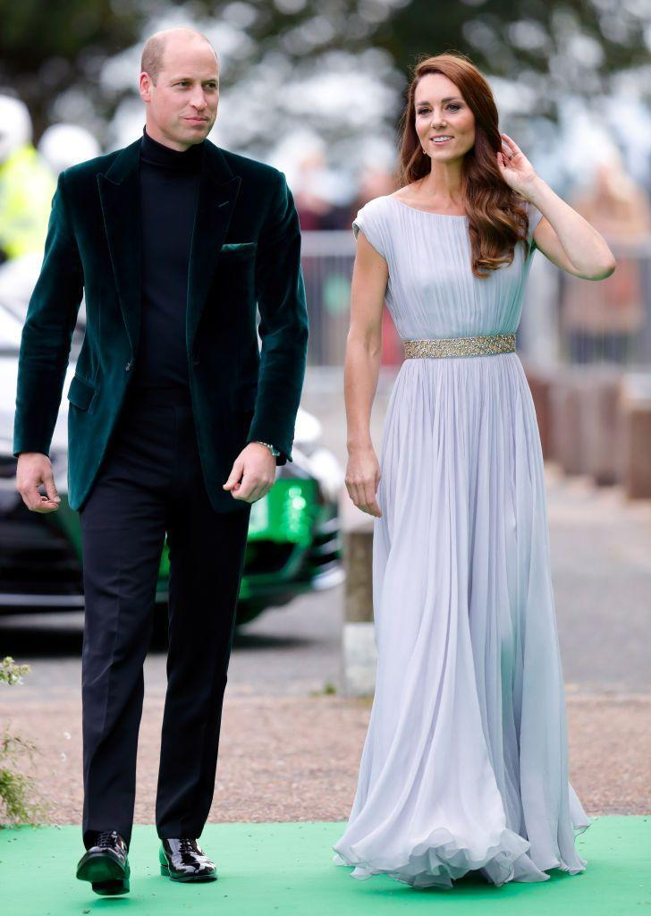 """<p>Kate Middleton stepped out on the green carpet of <a href=""""https://www.townandcountrymag.com/society/tradition/a37940440/kate-middleton-earthshot-prize-alexander-mcqueen-photos/"""" rel=""""nofollow noopener"""" target=""""_blank"""" data-ylk=""""slk:the first-annual Earthshot Prize Awards"""" class=""""link rapid-noclick-resp"""">the first-annual Earthshot Prize Awards</a> in a gorgeous purple Alexander McQueen gown—but <a href=""""https://www.townandcountrymag.com/style/fashion-trends/g25620264/kate-middleton-repeat-outfits/"""" rel=""""nofollow noopener"""" target=""""_blank"""" data-ylk=""""slk:it's not the first time she's been spotted wearing the dress"""" class=""""link rapid-noclick-resp"""">it's not the first time she's been spotted wearing the dress</a>. For the event, guests were expected to wear, or re-wear, outfits with sustainability in mind, so the Duchess chose a gown she previously wore in 2011.</p>"""