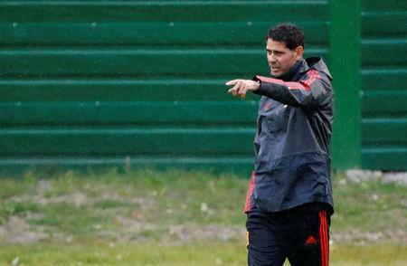 Soccer Football - World Cup - Spain Training - Spain Training Camp, Kaliningrad, Russia - June 24, 2018 Spain coach Fernando Hierro during training REUTERS/Fabrizio Bensch