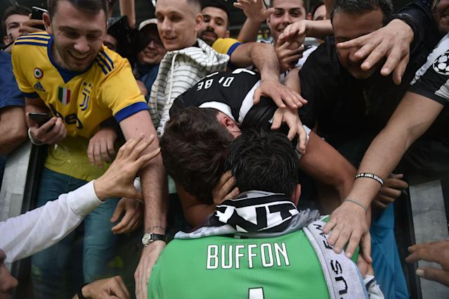Gianluigi Buffon makes his way around the Juventus Stadium one final time. (Getty)