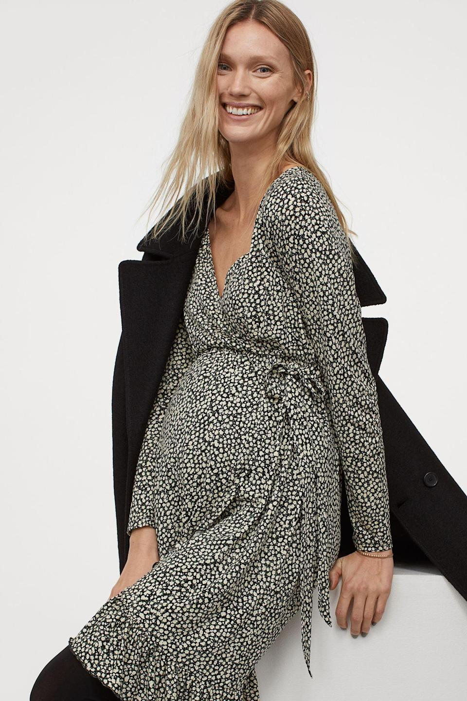 <p>Where can't you go with this <span>H&amp;M Mama Wrap Dress</span> ($40)? It's up for any occasion!</p>