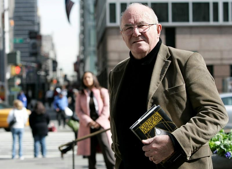 Australian writer and TV critic Clive James dies aged 80