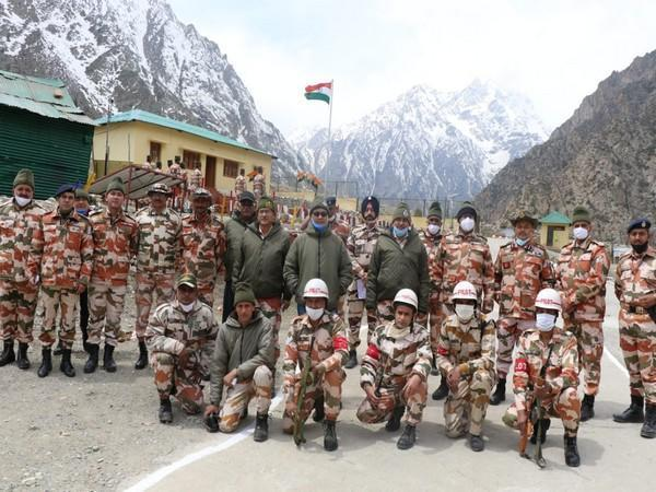 Union Youth Affairs and Sports Ministers Kiren Rijiju with ITBP personnel