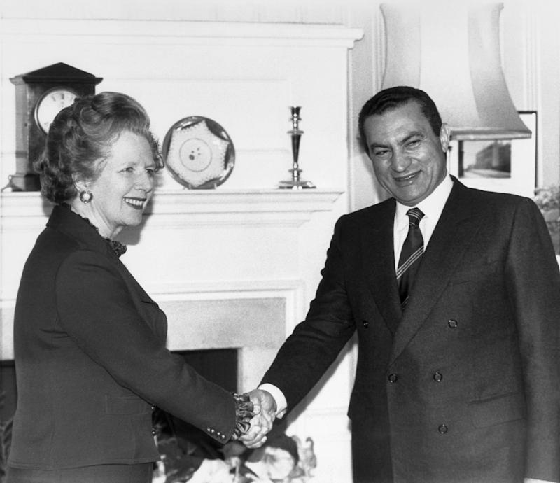 <strong>Premier Margaret Thatcher greets Egyptian President Hosni Mubarak at No. 10 Downing Street, London on March 14, 1985.&nbsp;</strong> (Photo: ASSOCIATED PRESS)