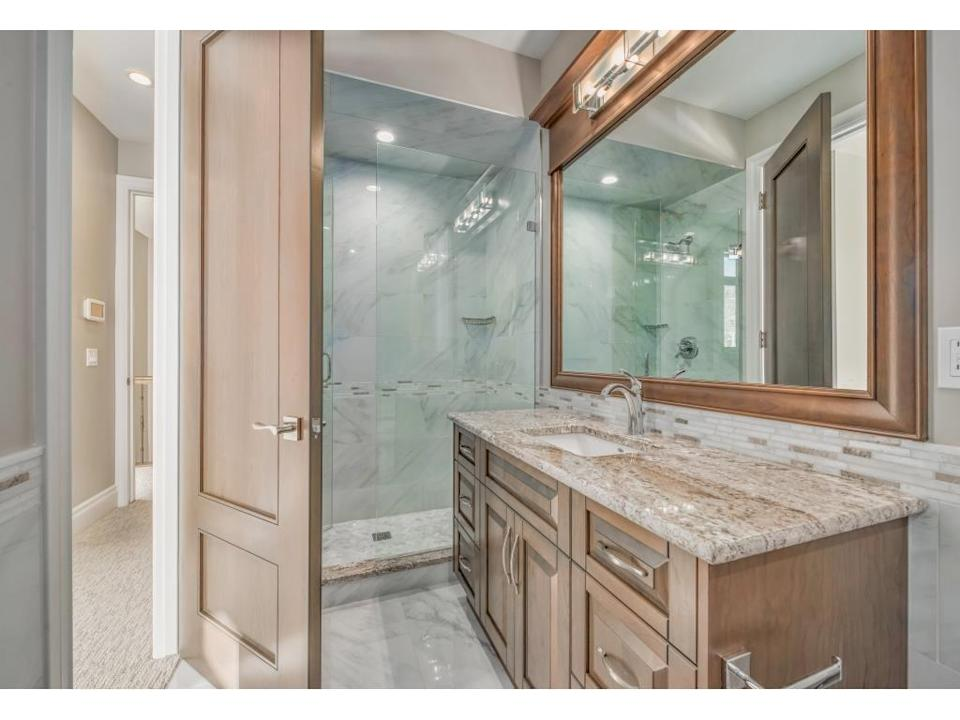 <p><span>616 3 Avenue Northwest, Calgary, Alta.</span><br> The two upper bedrooms include full spa-like ensures, including a soaker tub and heated floor in the master ensuite.<br> (Photo: Zoocasa) </p>