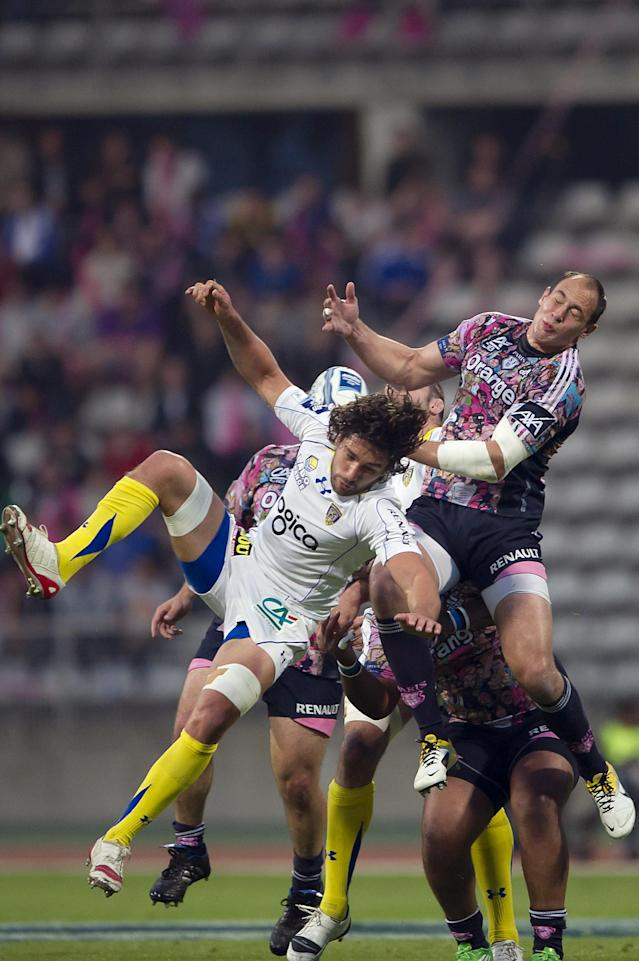 Clermont's flanker Julien Bardy (L) vies with Stade Francais' number 8 Sergio Parisse during the European Challenge Cup semi final rugby union match Stade Francais vs. Clermont at the Charlety stadium in Paris on April 29, 2011. AFP PHOTO / BERTRAND LANGLOIS (Photo credit should read BERTRAND LANGLOIS/AFP/Getty Images)