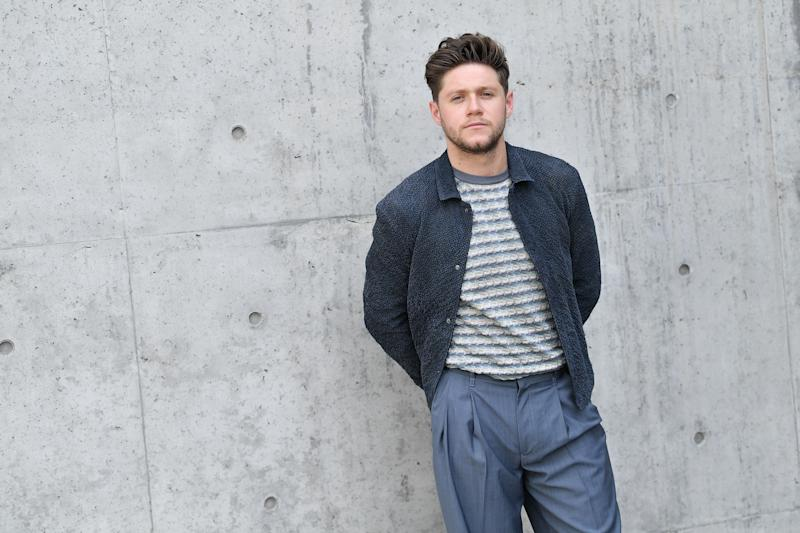 Niall Horan rocks casual outfit on a bright day and he looks breath-taking