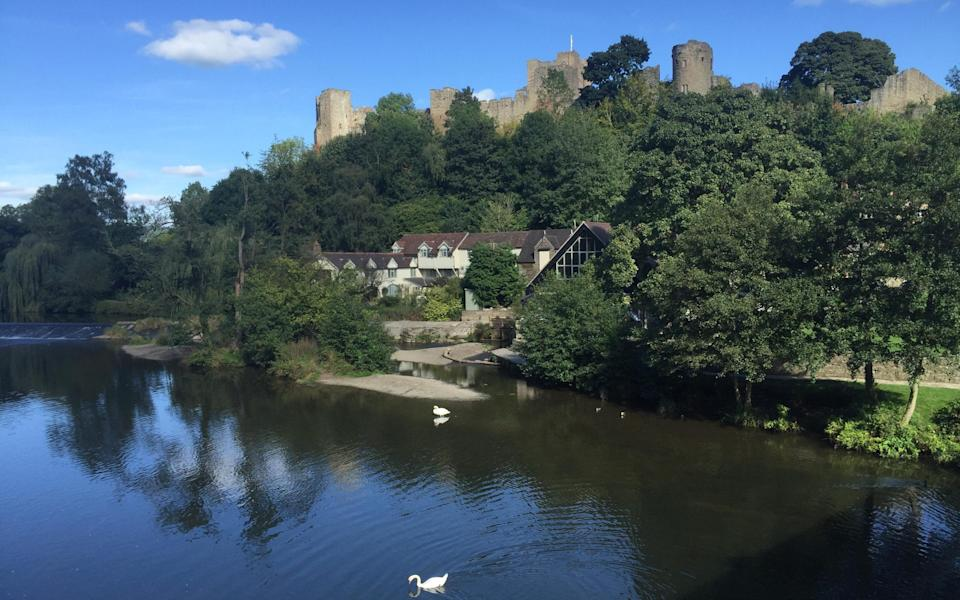Dinham Weir House sits in the shadow of Ludlow Castle on the River Teme