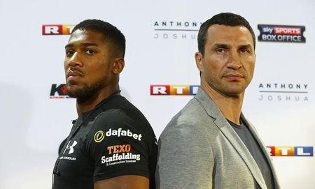 d32cdf60021 Anthony Joshua and Wladimir Klitschko pose during the press conference