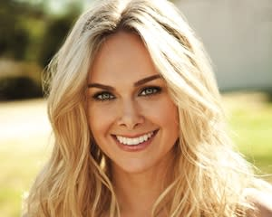 Anger Management Casts Hart of Dixie's Laura Bell Bundy as New Sex Doc