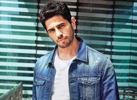 Sidharth Malhotra continues shooting for 'Shershaah' even after bike accident in Kargil