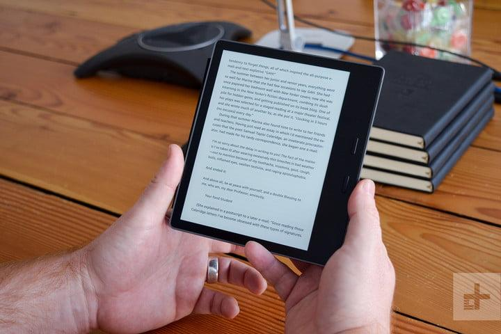 amazin kindle oasis review (2017) two hands
