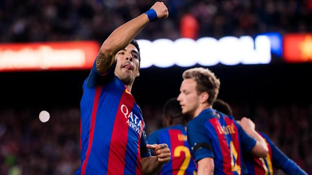 Barcelona star Luis Suarez says a good striker always knows where the goal is after a magnificent overhead kick against Sevilla.