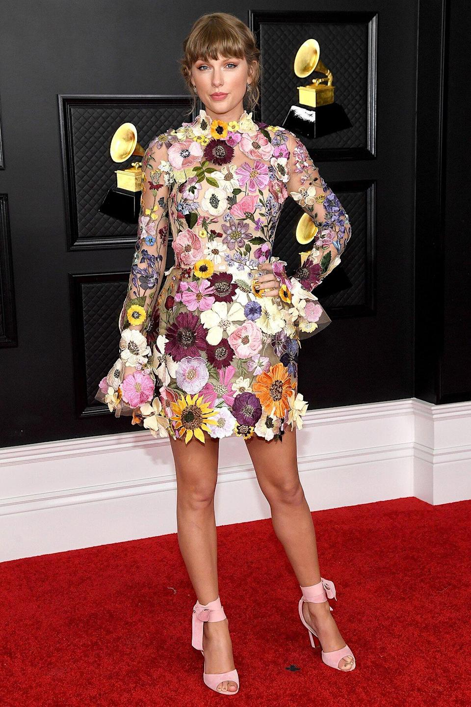 The Best-Dressed Celebrities At The Grammys Took Risks On The Red Carpet!!!