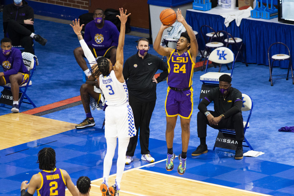 LSU's Cameron Thomas (24) shoots a 3-pointer while being guarded by Kentucky's Brandon Boston Jr. (3) during the second half of a game at Rupp Arena. (Arden Barnes-USA TODAY Sports)