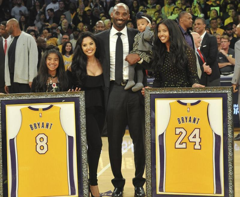Kobe Bryant and family, December 2017 | Allen Berezovsky/Getty