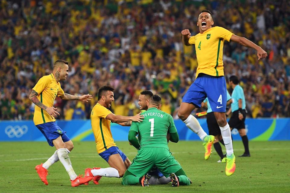 <p>Neymar led Brazil's men's soccer team to victory on its home turf, beating Germany in a penalty shoot. </p>