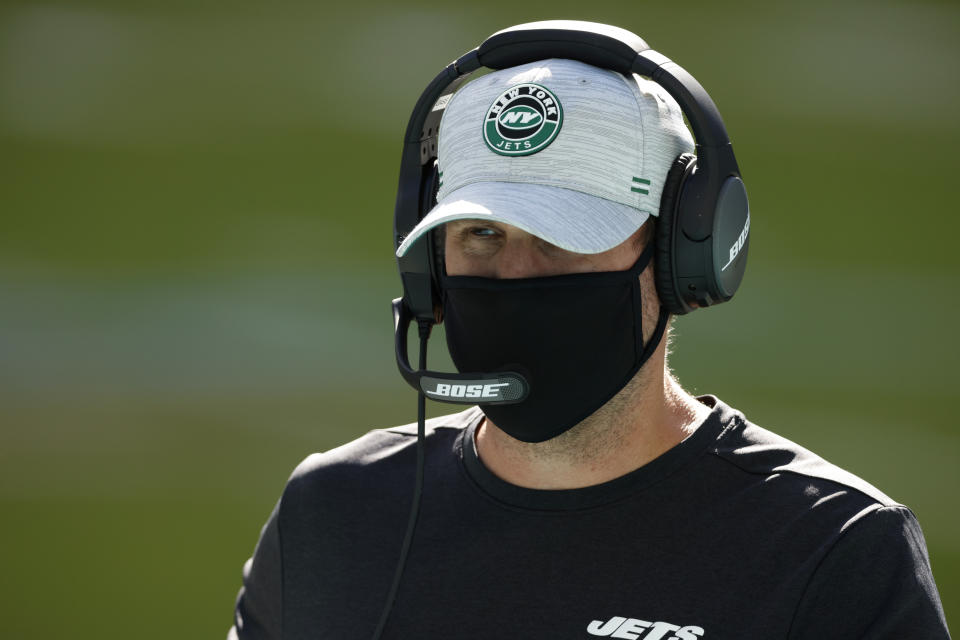 It appears that Jets head coach Adam Gase is no longer calling the offensive plays. (Photo by Michael Reaves/Getty Images)