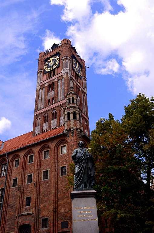 <p>The church where Copernicus was baptised and the house where he was raised are living symbols of his life in the city. Even the company that sells gingerbread bears his name. And Torun is proud of its son man who showed the world the ways of the universe.</p>