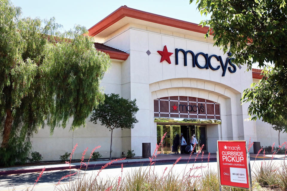 SANTA CLARITA, CALIFORNIA - MAY 21: Macy's at Valencia Town Center Mall opens for curbside pickup service during COVID-19 outbreak on May 21, 2020 in Santa Clarita, California. The coronavirus (COVID-19) pandemic worldwide has claimed over 180,000 lives and infected over 2.5 million people. (Photo by Robin L Marshall/Getty Images)