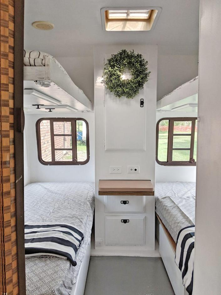 bedroom lemp rv reno