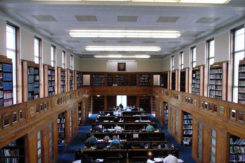 倫敦大學的Senate House Library(stevecadman@Wikipedia / CC BY-SA 2.0)