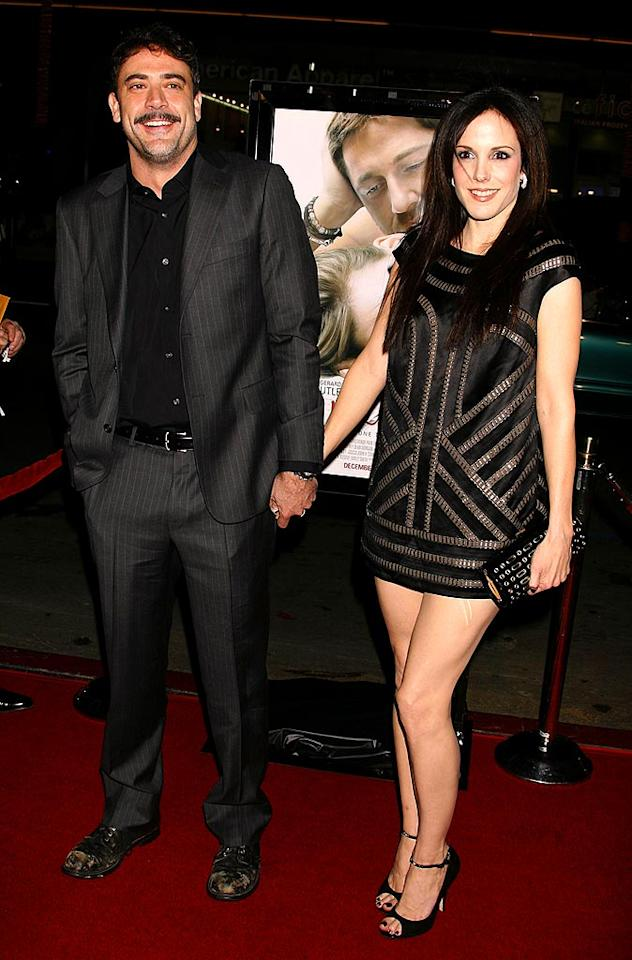 "Mary-Louise Parker and her ""Weeds"" co-star Jeffrey Dean Morgan split in June of '07, but were seen holding hands and getting cozy at the December premiere of ""P.S. I Love You."" They are reportedly engaged. Jeffrey Mayer/<a href=""http://www.wireimage.com"" target=""new"">WireImage.com</a> - December 9, 2007"