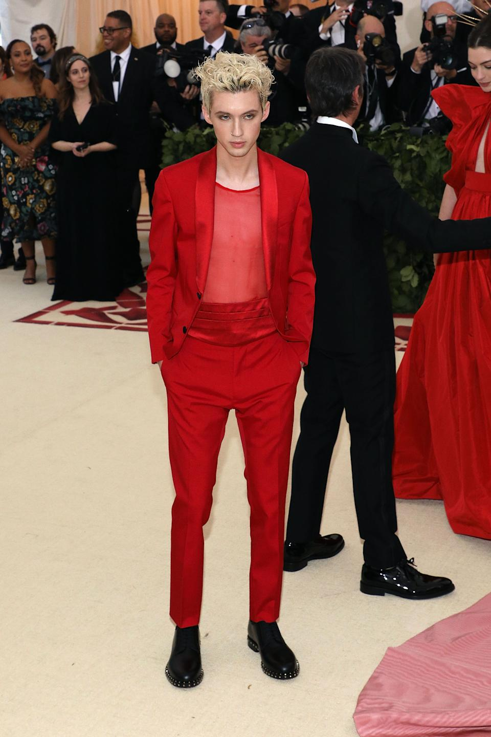 """<h1 class=""""title"""">Troye Sivan in Valentino</h1><cite class=""""credit"""">Photo: Getty Images</cite>"""