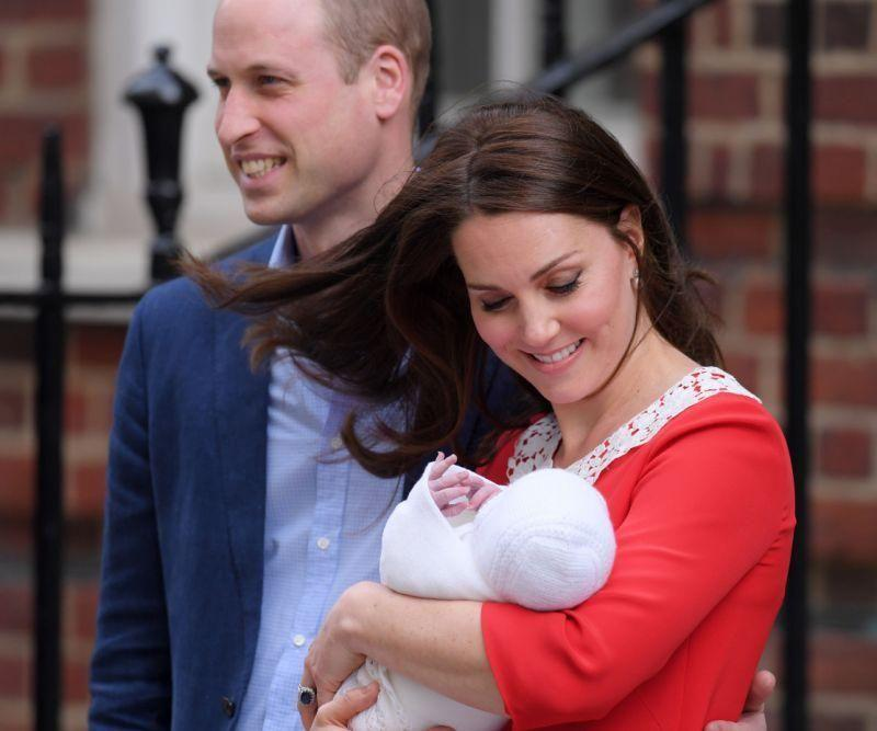 Kate opted for a simple red shift with a Peter Pan collar. Source: Getty