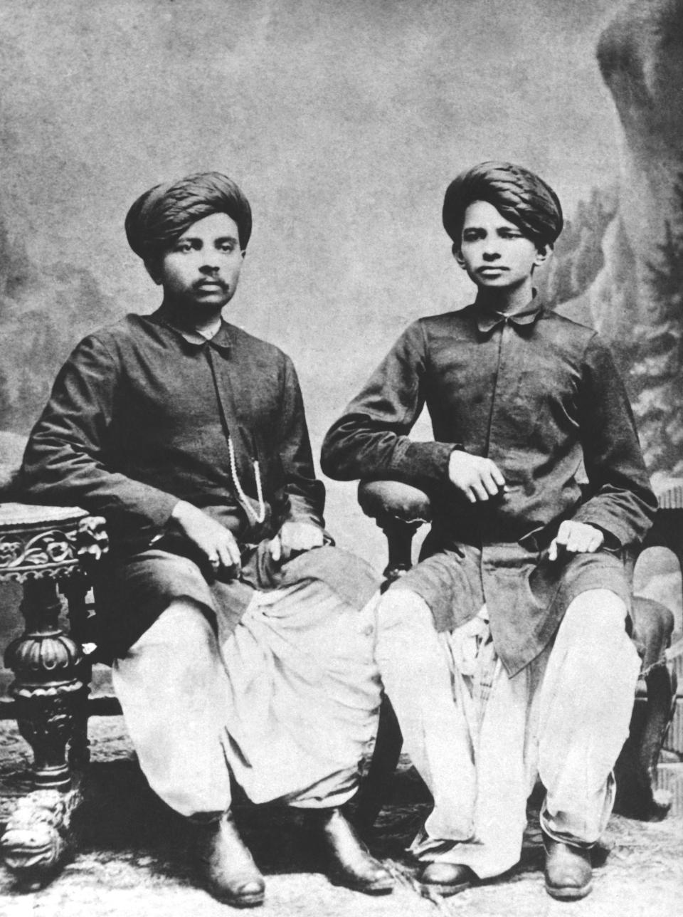 Mahatma Gandhi (R) with his brother, Laxmidas Gandhi, India, 1886. (Photo by Underwood Archives/Getty Images)