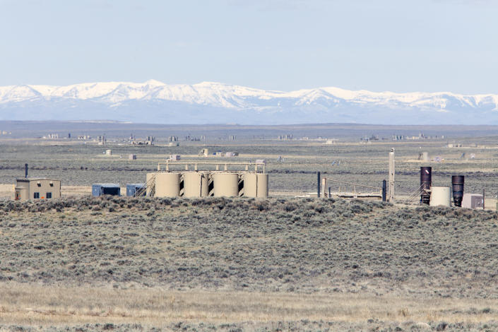 Gas wells and facilities at a Jonah Energy field, outside Pinedale, Wyo. (Photo: Melanie Stetson Freeman/Christian Science Monitor via Getty Images)