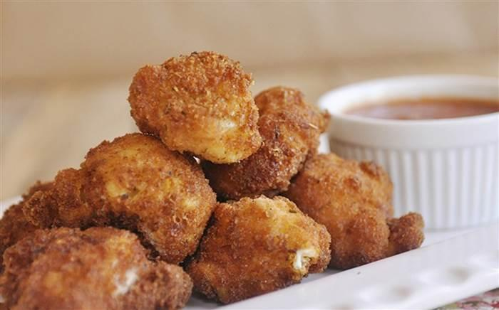Fried mac and cheese bites from I Heart Naptime (I Heart Naptime)