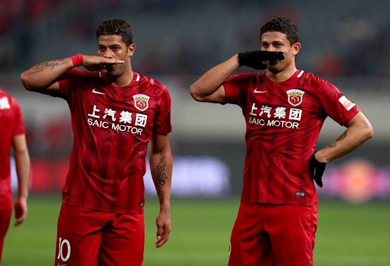Chinese Super League: Hulk rate un penalty (après avoir baillé)