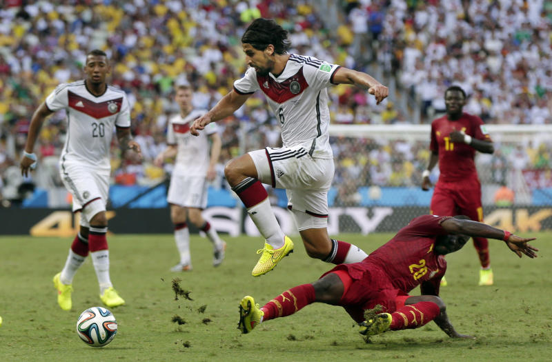 Germany's Boateng, Khedira cleared to practice