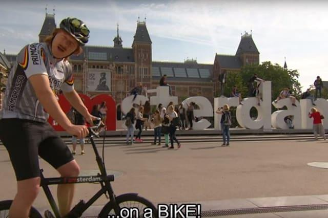 Here's how to safely cycle the road of Amsterdam