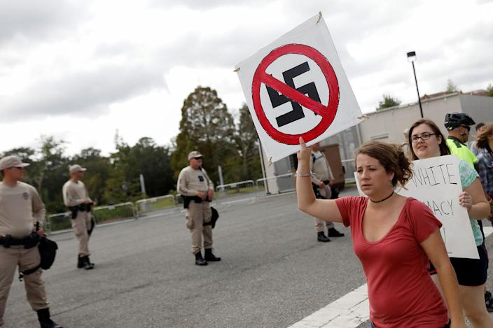 <p>Demonstrators rally before the speech by Richard Spencer, an avowed white nationalist and spokesperson for the so-called alt-right movement, on the campus of the University of Florida in Gainesville, Fla., Oct.19, 2017. (Photo: Shannon Stapleton/Reuters) </p>