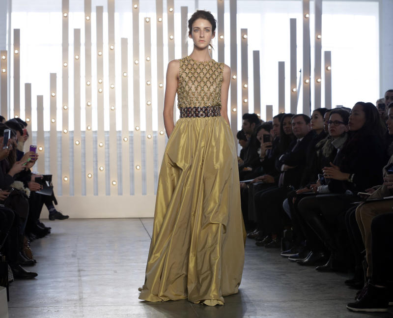 Red-carpet designer Jenny Packham into '70s glam