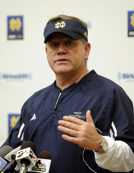 Notre Dame coach Brian Kelly talks to the media during a news conference after NCAA college football practice, Saturday, Dec. 29, 2012 in South Bend, Ind. Notre Dame and Alabama will play for the BCS National Championship on Jan. 7, 2013., in Miami. (AP Photo/Joe Raymond)