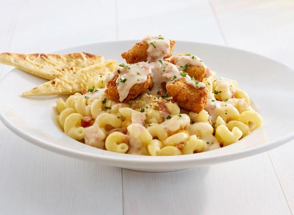 ruby tuesday crispy chicken mac and cheese